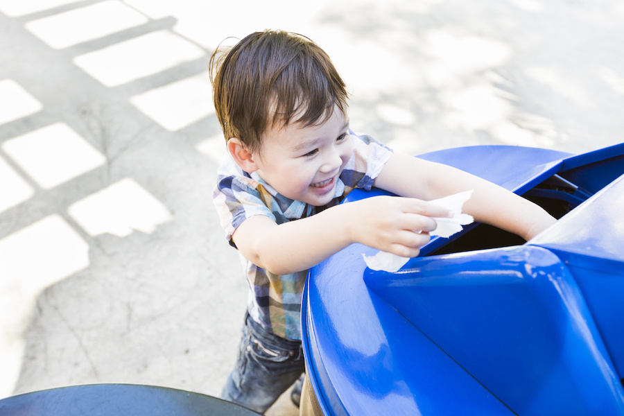 Teaching Your Young Child to Recycle